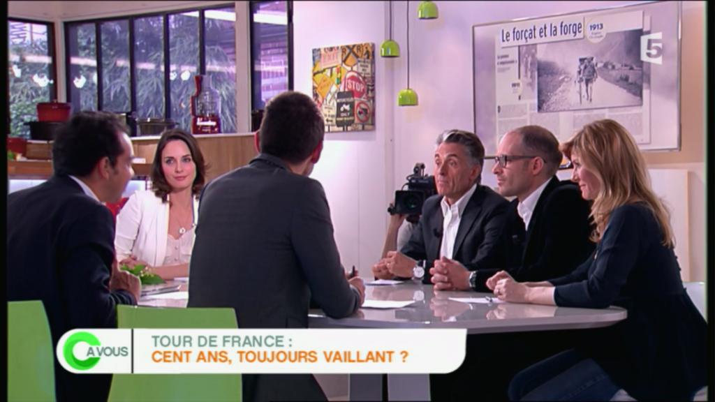 Gérard Holtz et Julien Holtz autour de la table - C à Vous (France 5) du 1er mai 2013
